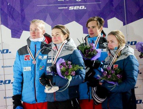 SØLVMEDALJØRER: Silje Opseth (til venstre), Holeværingen, Ingebjørn Saglien Bråten, Etnedal. Thomas Aasen Markeng, Lensbygda, og Fredrik Villumstad, Skimt.
