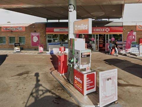 Har var tyvene innom og fylte drivstoff uten å betale en krone.
