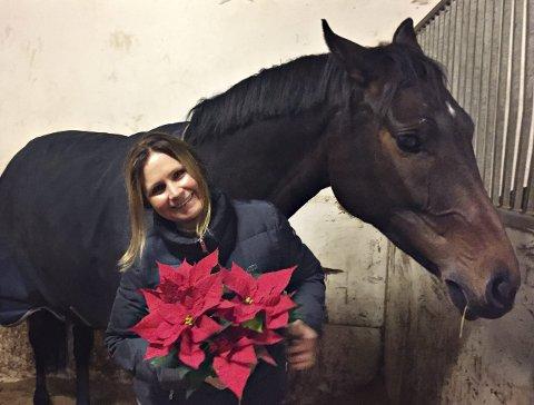 Hestegal: Cecilie Schilbred har helt siden unge år drevet med hest og hestesport. Hun elsker livet med barn, ungdom og hester.