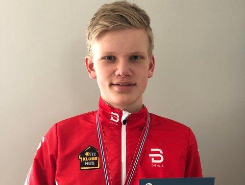 PÅ TOPP: Vebjørn Horn er blant de beste i både skiskyting og langrenn.