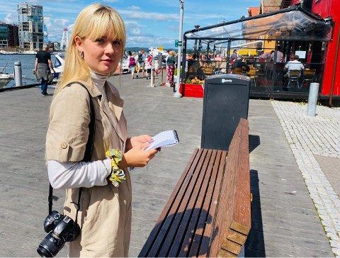 PÅ BRYGGA: Journalist Johanne Ringøen opplevde at en full mann omfavnet henne på Brygga da hun var på jobb fredag kveld. Dette har hun skrevet om i en kommentar.