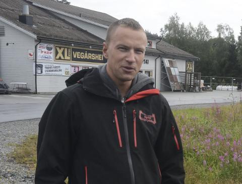 Sigmund Lindtveit kjøpte næringstomta for over 5 år siden, og etablerte eiendomsselskapet 16.1 Eiendom AS. Tomta er på nesten 1,7 mål, og ligger sentralt ved Byggern Vegårshei (tidligere XL Bygg) og Vegårshei Motorsenter. Arkivfoto