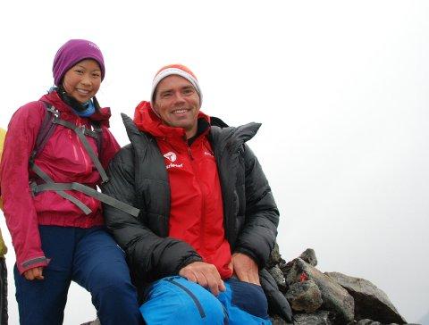 Turkameratar: Ein stolt far saman med Linn Therese på 2000-metertopp nummer 377.