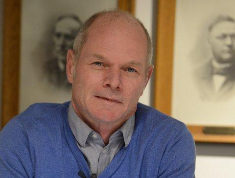 TOK SAKEN: Jan Stefan Holme i Nittedal Høyre stilte under siste kommunestyre spørsmål rundt skøytebane i Nittedal. Svaret er at NIL nå har fått avtale om å lage dette på Sentralidrettsanlegget.