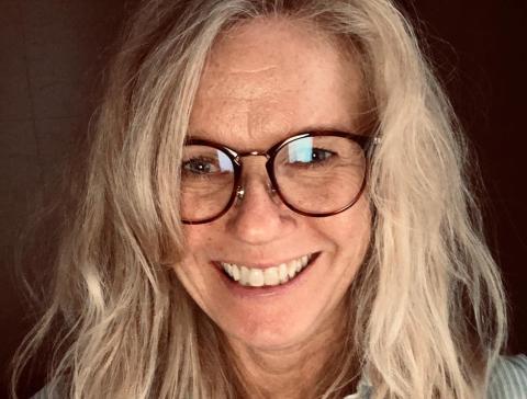 ENGASJERT: Annica Lindèn Øygard er daglig leder i stiftelsen Mitt valg, og har tidligere jobbet i Nittedal kommune. Som engasjert innbygger tar hun nå til ordet for å ansette flere i Utekontakten  i Nittedal for å få bedre kontakt med ungdommene.