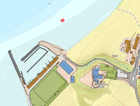 Her skal trampolina ligge: Illustrasjonen viser hvor badende vil finne trampolina.