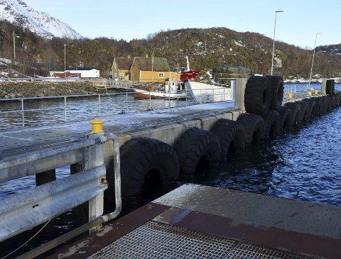 Ikke god nok:  Dagens hurtigbåtkai på Skutvik er i en så dårlig forfatning at de midlertidige grepene kommunen i utgangspunktet vurderte, ikke var tilfredsstillende for Nordland fylkeskommune. Derfor er det gjort grep i fenderveggen på hurtigbåtkaia.