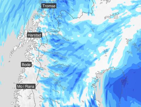 IKKE FINT LENGER NORD: I Troms og Finnmark kommer det ikke til å bli noe fint vær på nasjonaldagen. I Nordland blir det derimot både sol og skyfri himmel mesteparten av dagen.