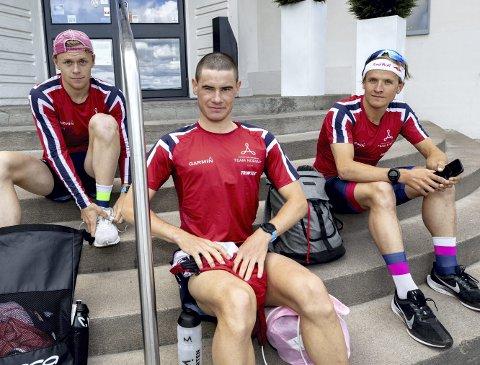 Casper Stornes (t.v.), Gustav Iden og Kristian Blummenfelt har et ekstremt oksygenopptak, som «løfter taket» for hva de kan prestere. Her er de tre på Olympiatoppen tidligere i sommer.