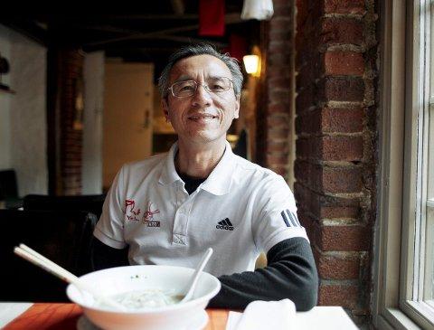 STOLT EIER: I Peppes gamle lokaler serverer nå Dao Quang Vuong mat på ekte vietnamesisk vis.