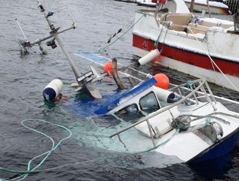 Sunket båt i Gjesvær