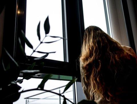 LETTET: Kvinnen som mandag sto frem i Fredriksstad Blad og fortalte om eks-samboeren som til stadighet skal ha brutt besøksforbudet mot henne, er lettet over at han nå er pågrepet.