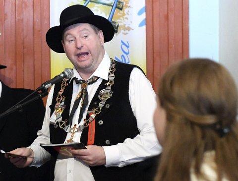 AVSLUTTET: Den 62. Vinterfestuka ble avsluttet av ordfører Rune Edvardsen søndag ettermiddag.Foto: Frode Danielsen