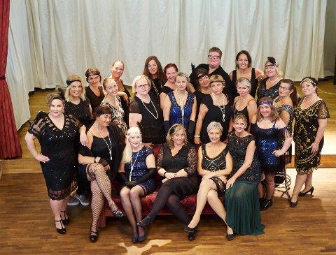 Slik beskrives «Club Diva» i invitasjonen til konserten: «nattklubbens fabuløse damer som synger i nattklubbens eget kabaretkor».