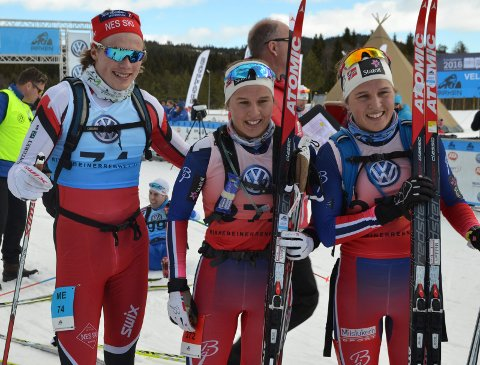 Imponerte: Nes – løperne Jonas Amundsen (t.v.) Lotta Udnes Weng og tvillingsøsteren Tiril Udnes Weng imponerte under helgas Birkebeinerrenn.