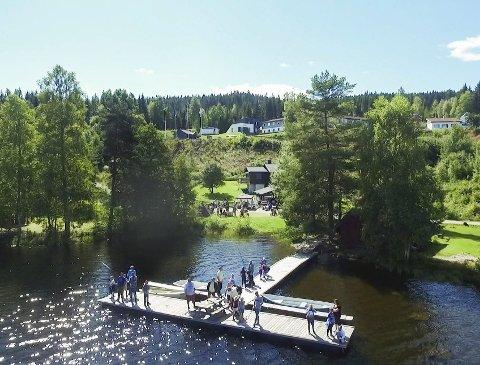 Gøy: Fisking er populært, men Kongsvinger jeger- og fiskerforening ønsker at enda flere unge skal bli interessert og ikke minst lære om fisking. Bilder: Kjell R. Hermansen