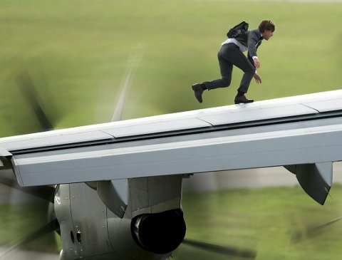 Tom Cruise plays Ethan Hunt in Mission: Impossible Rogue Nation from Paramount Pictures         Pressefoto