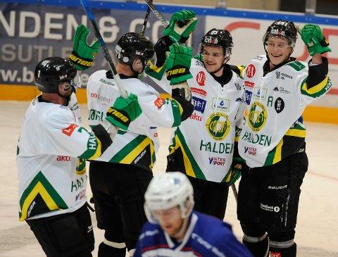 JUBEL: Comet vant 5-2 over Furuset i Oslo.