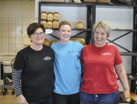 BRØD: I 14 år har Renée Lauritzen (til v.) sørget for brød til Brødløs. Her sammen med Malin Stefansson og Anne-Lise Ramdal.