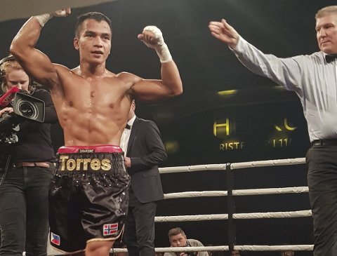 Proffboksar: Bernard Angelo Torres har no boksa som proff i litt over eit år. På den tida har han boksa seks kampar og vunne alle.Foto: Privat