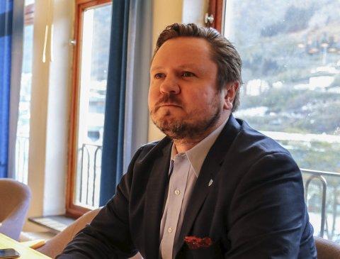 Positiv til forslag: Erlend Nævdal Bolstad (H) støtter regjeringens forslag til endringer i ekomloven. – Tilgangen til digitale spor er avgjørende i kampen mot nettovergrep mot barn, uttaler han. Foto: Eivind dahle sjåstad