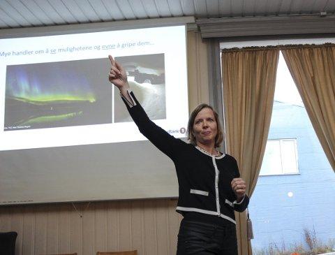 OPP og Fram: Hanne J. Nordgaard pekte ut en kurs som går opp og fram for nordnorsk næringsliv. Men hun minnet også om at det finnes skjær i sjøen.  Bilder: Rune Pedersen