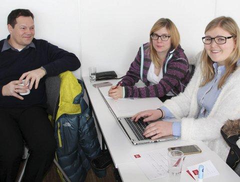 SATSER UNGT: Frans Eriksen, Silja Lanto og Pia Kathrine Espnes Ohren jobber med et  folkehelseprosjekt rettet mot ungdom i Tana kommune.                             Foto: Juli-Anne Staven