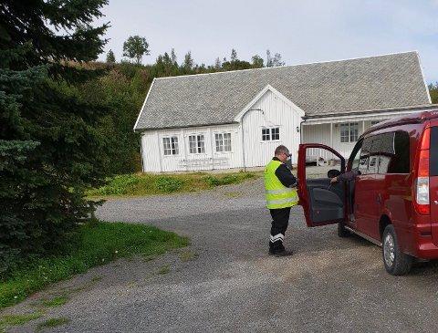 HUNDRE SJÅFØRER: Statens vegvesen kontrollerte hundre kjøretøy i Alta mandag ettermiddag.