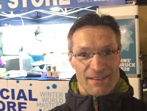 SKIHOPPER PÅ HOBBYBASIS: Knut Bjørnar Strøm kan ta med seg en gullmedalje og en sølvmedalje etter OL i veteranhopp i Innsbruck denne uken.