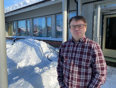 TRE SØKERE TIL TO JOBBER: Per Ivar Stranden håper, med å ansette to nye leger i Tana kommune, å få en stabil legedekning.