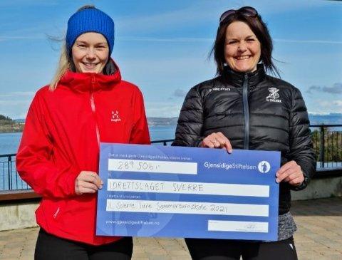 FORNØYD: Det var Kathrine Forfang (sportslig leder) og Evy Asbjørnsen Hogstad (daglig leder) som fikk gleden av å ta imot gaven fra Gjensidigestiftelsen.