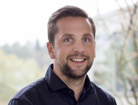 INVITERER PÅ KAFFI: Time-ordførar Andreas Vollsund inviterer innbyggjar på kaffi og drøs.