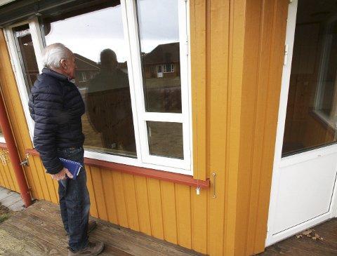 Usolgt: De pårørende til den 95 år gamle Hof-mannen har forsøkt å selge leiligheten i snart fire år uten hell.foto: jarl Rehn-Erichsen