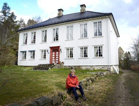 BURSDAG: Søndag 26. juni inviterer Else Bjørg Finstad og Kragerø turilag alle til herskapelig bursdag i lystgården på Tåtøy.