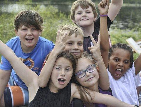 SKAPER SAMHOLD: SFO-barna på 4. trinn ved Oddevall skole har vært på overnattingstur til Eiksetra - en tur de hadde gledet seg til i flere år.