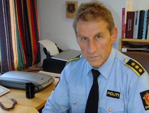 TYVEGODS: Lensmann Asbjørn Sjølie forteller at politiet beslagla en del tyvegods fredag ettermiddag