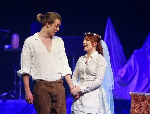 Mats Gukild og Hannah Hunslund sang fra Figaros bryllup