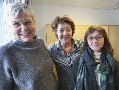 Inviterer: Samfunnssalen er stedet, sier Hanne Luthen, Kirsten Wiik og Natalie Hjersing.
