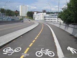 TVETENVEIEN: Sykkelveien i Tvetenveien skal forlenges ned til Østensjøveien. Arkivfoto: Bymiljøetaten