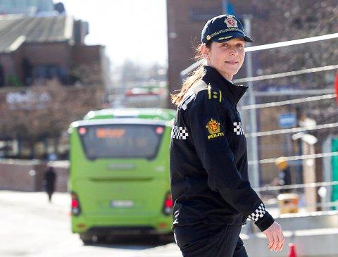 GODT VIRKEMIDDEL: Politioverbetjent Solveig Aarvik Kjeserud sier det er gode erfaringer med ruskontrakter.