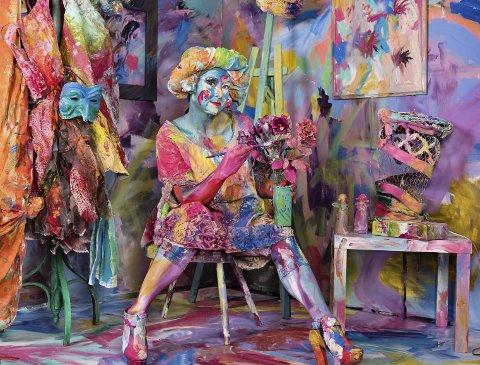 Bronse: Line Loholts Bilde «The Art Teacher». Bildet er tatt under Larvik kulturskoles fargerike prosjekt i vinter og modellen er kulturskolelærer Linda Oley Johannessen.