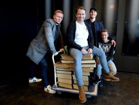 FRA SKI TIL FOTBALL: Tidligere skicross-kjører, nå Hernes-spiller Morten Ring Christensen besøker guttene i podden.