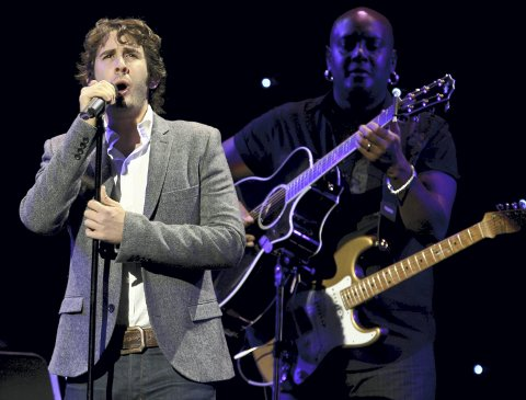 Million-hit: Josh Groban er bare en av mange internasjonale stjerner som har sunget «You Raise Me up».Foto: NTB scanpix
