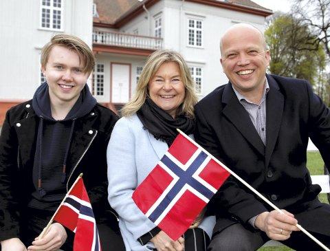 Kommer til Eidsvoll: Marius Lien, Elisabeth «Bettan» Andreasson og Trygve Slagsvold Vedum. FOTO: EIDSVOLL 1814