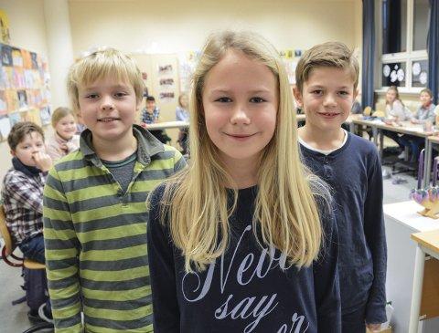 I særklasse i klasserommet: 5.-klassingene på Store Bergan skole, blant dem Martin Holtan (f.v.), Emmeli Palmgren Johannesen og Tobias Eide Nyheim, gjør det best på nasjonale prøver i Sandefjord.