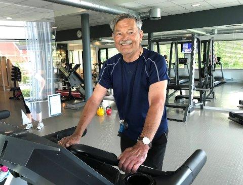 HELSE: Finn Rønning er glad for å endelig kunne trene innendørs med profesjonelle veiledere.