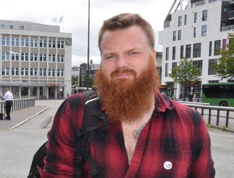 Ole Ronny Koldal (Rødt) holdt to innlegg på tampen av kommunestyremøte mandag. Arkivfoto.
