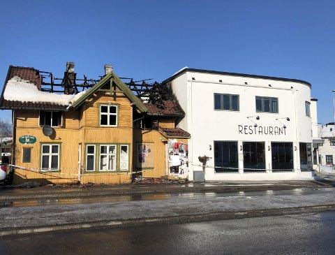 TOTALSKADD: Huset i Bøgata er totalskadd etter brannen fredag. (FOTO: BJØRNAR HAGEN VIKA)
