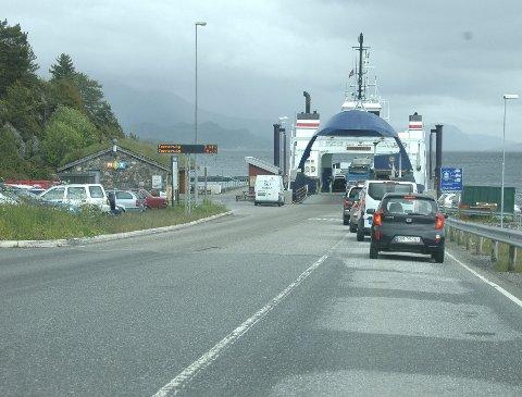 Seivika - Tømmervåg opplever, som nesten alle andre fergesamband på Nordmøre, en nedgang i antall fraktede passasjerer og kjøretøy.