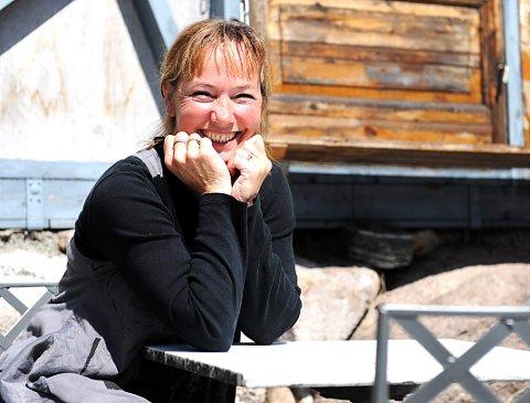 GAMEL ORMELET: Publikum strømmer på, også denne sommeren. Innehaver Dorthe Endresen gleder seg over det.